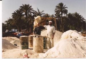 El autor con emigrante irakí en Ácaba (FILEminimizer)