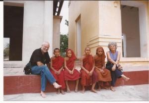 Niños monges