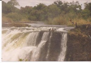 V.A. Cataratas, Baño (FILEminimizer)